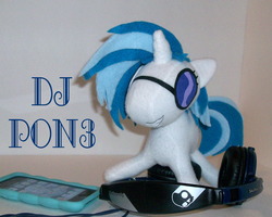 Hey Miss DJ, Put a Record On by beanchan
