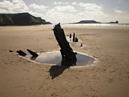 Shipwreck at Rhossili beach by octagonalpaul