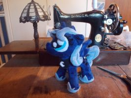 Woona plushie! by vulpinedesigns