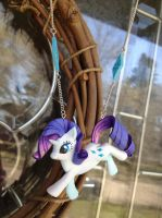 Rarity Necklace by Gatobob