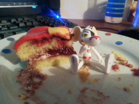 My Cake... =( by AshleyWolf259
