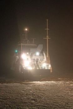 Incoming ferry in icy water... by Windsfantasy