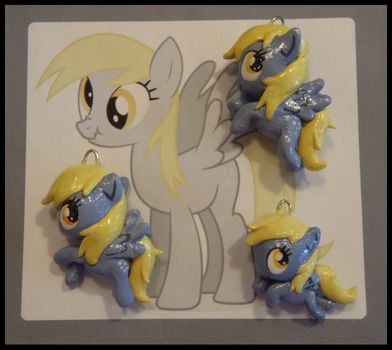Chibi-Charms: MLP Derpy Hooves by MandyPandaa