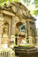 Luxembourg fountain sculpture 1 by wildplaces
