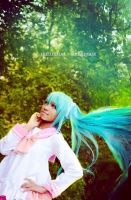 Hatsune Miku Cosplay (Lots of Laugh) by MoonPhase006