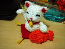 Manekineko amigurumi by ByMeBeHappy
