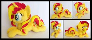 Laying Sunset Shimmer by fireflytwinkletoes