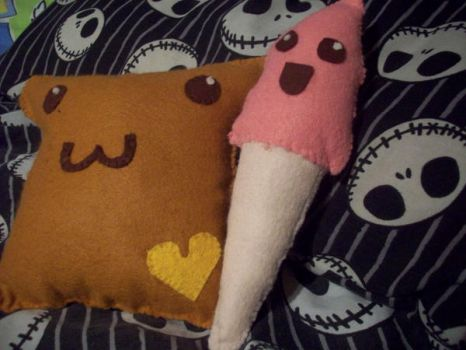 Toast and ice cream plush by Daisy--Chains