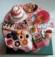 Miniature desserts table by miniacquoline