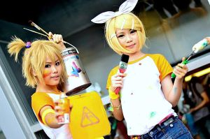 TGX 2012 - Rin and Len! by CerealAddiction