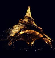 eiffel tower night by studiomhome