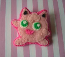 Jiggly Puff Brooch by iggystarpup