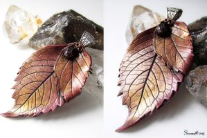 Leaf necklace with garnet by SuvetarsWell