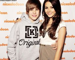 + victoria and bieber by withmusicinmyheart