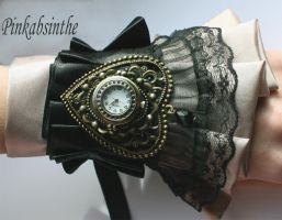 Steampunk watch by Pinkabsinthe