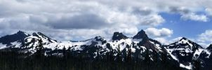 Mt. Rainier Panorama by xSiorcanna