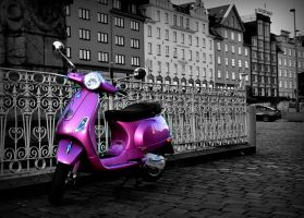 tha scooter by Blue-Norway