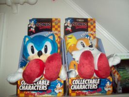 Retro Sonic and Tails Plushes by sonic-fan-guy