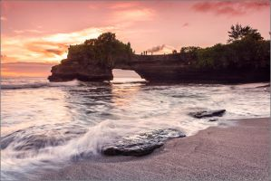 Rock view. Tanah Lot. by YuppiDu