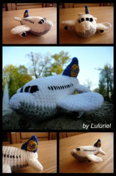 Lufthansa Airplane by Luluriel