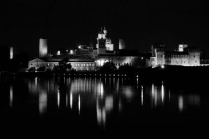 Mantova at night by crh