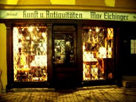 antiques shop by Mittelfranke
