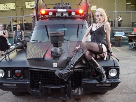 Hearse girl on the Zombie Killer by Matareno
