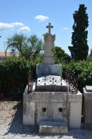 Old grave of Provence cemetery 5 by A1Z2E3R