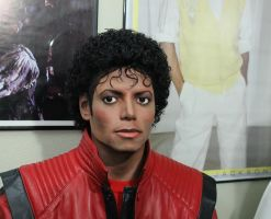 Close up of my Michael Jackson lifesize statue by godaiking