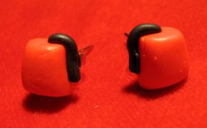 Fez stud earrings by StregattaPuponzi