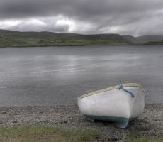 A little boat in Scalloway by Pandinus