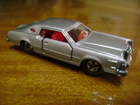 Restored Tomica Ford Continental Mark IV by prorider