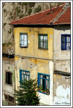 Old House by jevigar