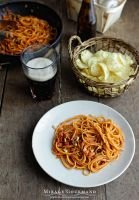 Pasta with tomato sauce by MirageGourmand