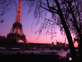 Paris by gloomy-soc