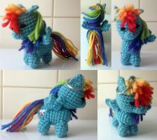 Rainbow Dash amigurumi by kuvitelma