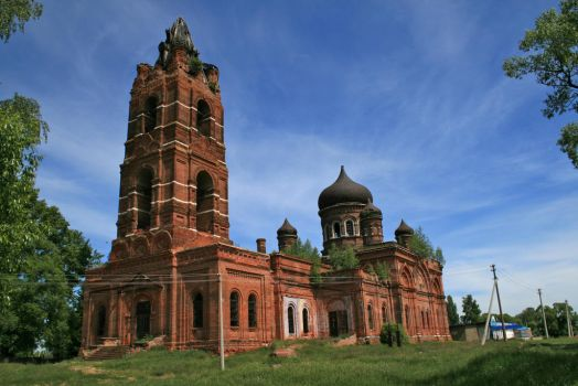 old abandoned church by realmugsy