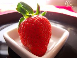 Strawvberry by Roisin99