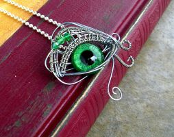 Wire Wrap - Emerald Green Silver Eye by LadyPirotessa
