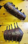 Scaled bracer V2 by Durnstaros