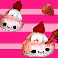 Stawberry Cake Plushie by mkirby712