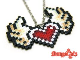 Heart with wings necklace by uenkii