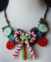 crochet X-Mas Candy Necklace by meekssandygirl
