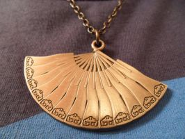 Kyoshi Fan Necklace by missemaline