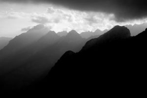 the darkness of the mountains by percya93