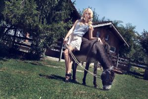 Alice Roco - S/S 14 Editorial by RomaiLee