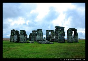 Stone Henge II by TVD-Photography
