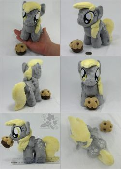 Chibi Derpy Hooves by HollyIvyDesigns