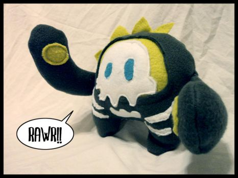 Rawr - monster plushie by Red-Revolver
