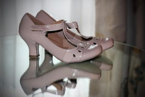 Wedding Shoes by WDJPhotography